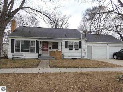 Mt Pleasant, Lake Isabella, Shepherd, Alma, Ithaca, St Louis, Clare, Lake Single Family Home New: 1103 Crosslanes Street