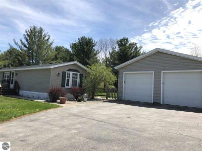 Grand Traverse County Single Family Home For Sale: 5641 Bartlett Road