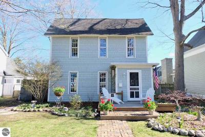 Traverse City Single Family Home For Sale: 1020 Washington Street