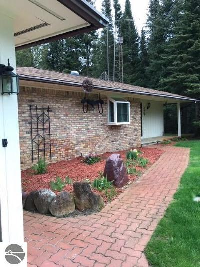 Oscoda Single Family Home For Sale: 4907 Cedar Bend Trail