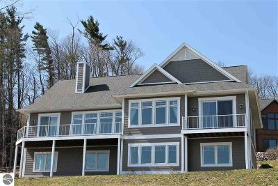 Traverse City Single Family Home For Sale: 785 Wind Drift Drive