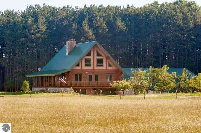 Kalkaska County Single Family Home For Sale: 3553 SE M-66