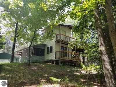 Kalkaska County Single Family Home For Sale: 3381 Arlington Road