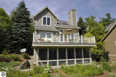 Leelanau County Condo For Sale: 8 Chimney Ridge