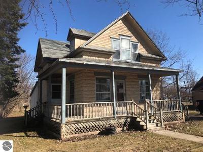 Shepherd Single Family Home For Sale: 165 E Wright Avenue