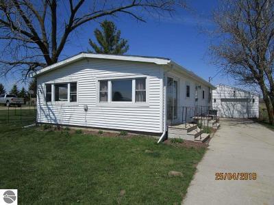 Mt Pleasant MI Single Family Home For Sale: $80,000