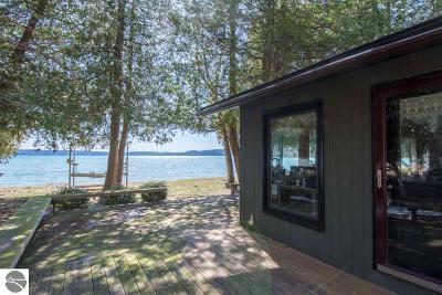 Leelanau County Single Family Home For Sale: 6238 S Tamarack Lane
