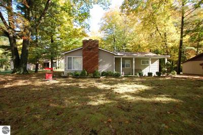 West Branch Single Family Home For Sale: 1335 S Lake Drive