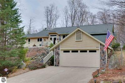 Leelanau County Single Family Home For Sale: 6809 E Lake Bluffs Drive