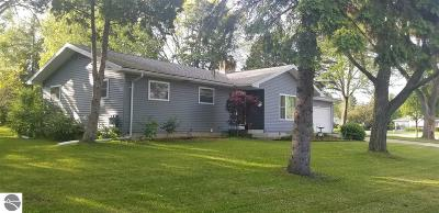 Mt Pleasant MI Single Family Home For Sale: $179,900