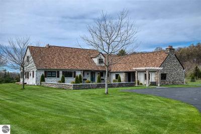 Single Family Home For Sale: 15361 Peninsula