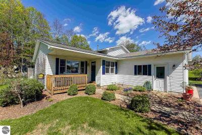 Traverse City Single Family Home New: 134 Peach Tree Drive