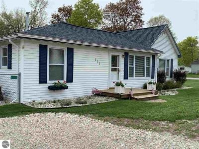 Elk Rapids Single Family Home Price Change: 111 W Third