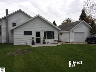East Tawas Single Family Home For Sale: 209 E Washington