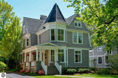 Traverse City Single Family Home For Sale: 425 Sixth Street