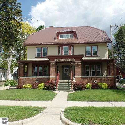Mt Pleasant Single Family Home For Sale: 209 E Chippewa Street