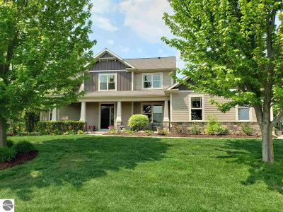 Traverse City Single Family Home For Sale: 1737 Strasbourg