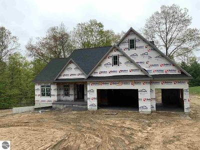Traverse City Single Family Home For Sale: 9594 E Walkabout Lane