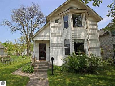 Traverse City Single Family Home For Sale: 629 E Eighth Street
