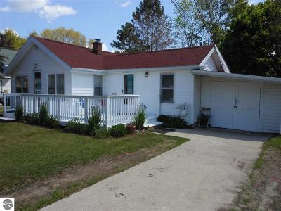 East Tawas Single Family Home For Sale: 406 Main Street