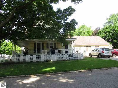 Ithaca Single Family Home For Sale: 425 E Center Street