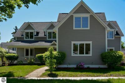 Traverse City Single Family Home For Sale: 911 Wayne Street