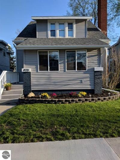 Alma MI Single Family Home For Sale: $118,900