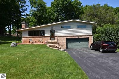 Traverse City Single Family Home New: 3176 Crestview Drive #3176