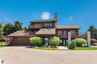 Single Family Home For Sale: 6240 Brackett Road