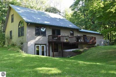 Kalkaska County Single Family Home For Sale: 1623 W Sharon Road