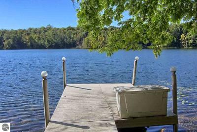 Leelanau County Single Family Home For Sale: 300 W Oxbow Trail