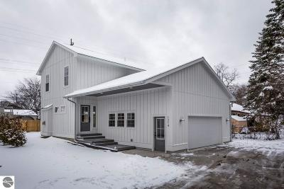 Traverse City Single Family Home For Sale: 1214 W Front Street