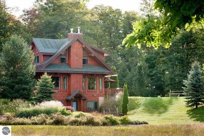 Traverse City Single Family Home For Sale: 11328 Center Road