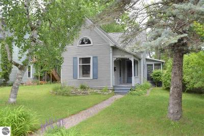 Traverse City Single Family Home For Sale: 626 W Eighth