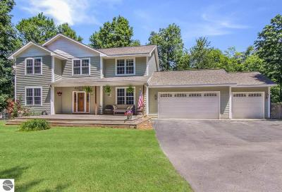 Traverse City Single Family Home For Sale: 2860 Mady Lane