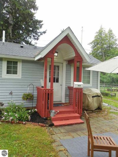 Mt Pleasant Multi Family Home For Sale: 1018 S Kinney Avenue