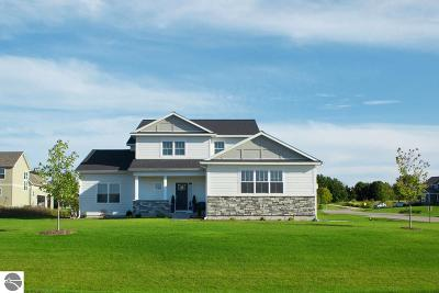 Traverse City Single Family Home For Sale: 1600 Strasbourg