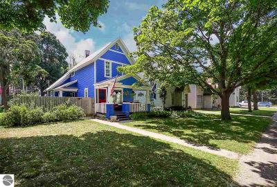 Traverse City Single Family Home For Sale: 621 W Eighth Street