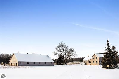 Kalkaska County Single Family Home For Sale: 4663 NE County Road 571