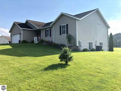 Traverse City Single Family Home For Sale: 644 Francis Drive #140