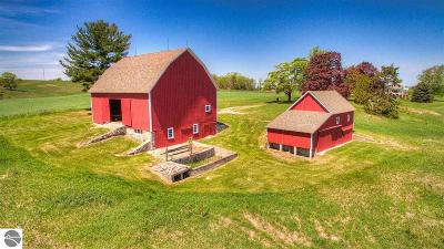 Single Family Home For Sale: 12368 Center Road