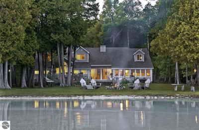 Leelanau County Single Family Home For Sale: 348 E Sugar Bay Lane