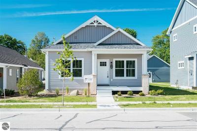 Traverse City Single Family Home New: 320 W Thirteenth Street