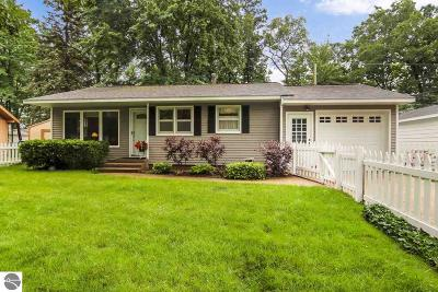 Grand Traverse County Single Family Home New: 934 Rose Court