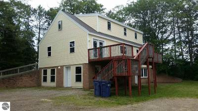 Mt Pleasant, Lake Isabella, Shepherd, Alma, Ithaca, St Louis, Clare, Lake Single Family Home New: 4910 S Crawford Road