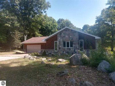 Au Gres Single Family Home For Sale: 3121 E Michigan Avenue