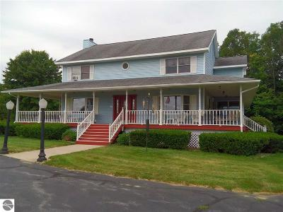 Traverse City Single Family Home For Sale: 1795 Townline Road