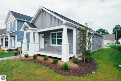 Traverse City Single Family Home For Sale: 328 W Thirteenth Street