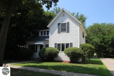 Mt Pleasant MI Single Family Home For Sale: $109,900