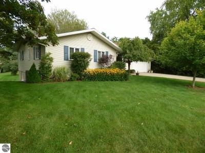 Traverse City Single Family Home New: 5289 Highland
